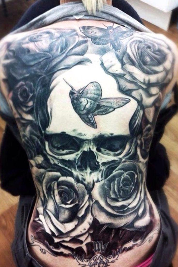 Schädel Tattoo Frau Rücken