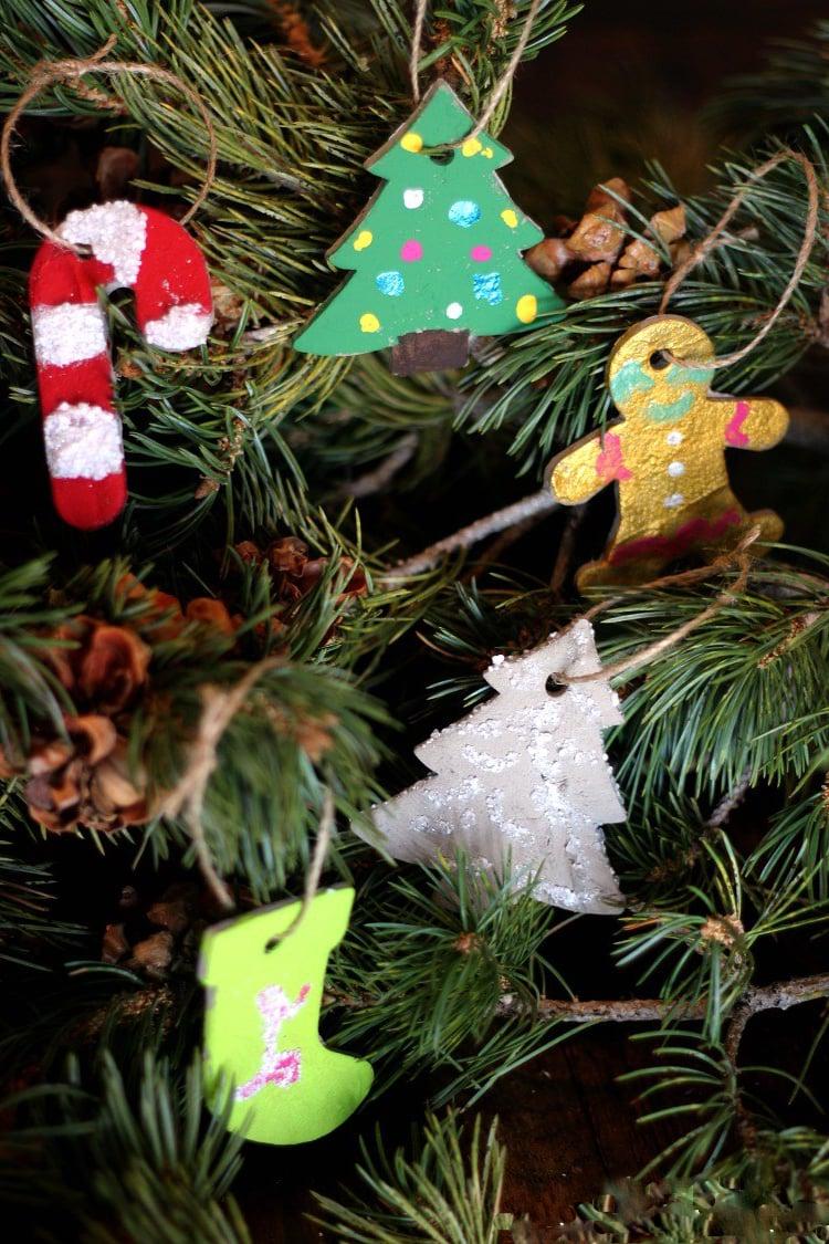 Weihnachtsdeko und Christbaumschmuck Deko aus Beton basteln