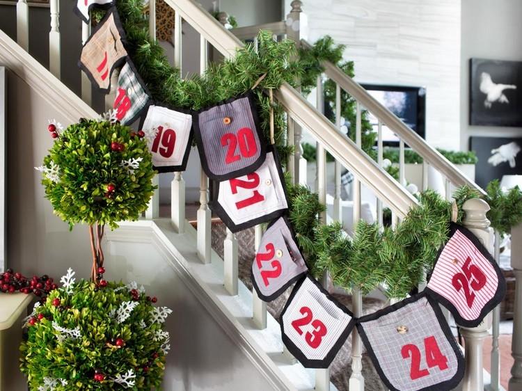 Ideen für Adventskalender Stofftaschen Treppe Girlande