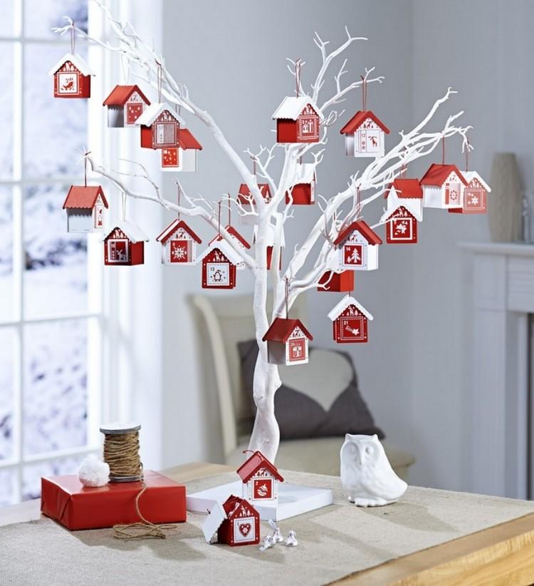 Ideen für Adventskalender wirklich originell Zweig Häuschen