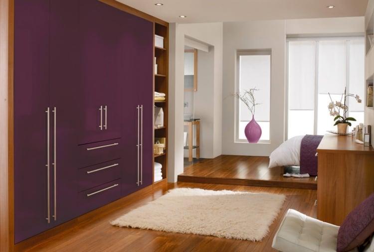 Aubergine Farbe Kleiderschrank Schlafzimmer