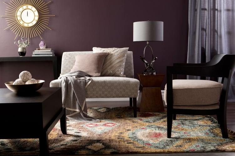 Aubergine Farbe Wohnzimmer Sitzecke Vintage Look