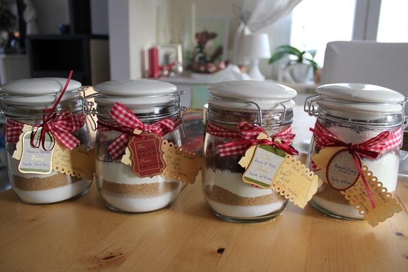 Weihnachtsgeschenke basteln für ErwachseneBackmischungen im Glas