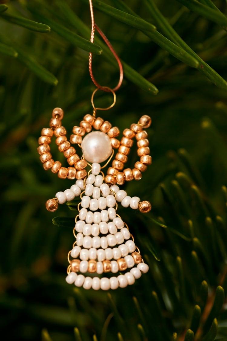 Engel basteln Perlen Blumendraht