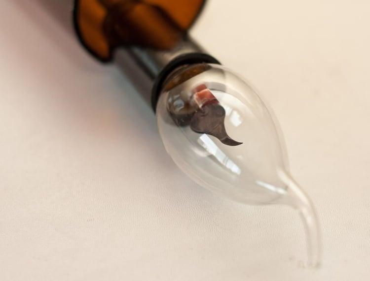 Lampe aus Flaschen originelle Glühbirne