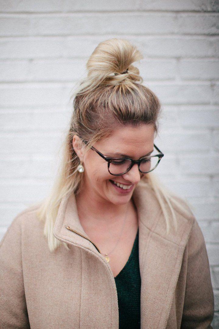 Hipster Frisur Halb Bun toller Look Frau