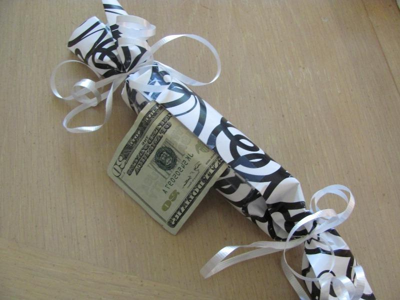 Geldgeschenke Weihnachtlich verpacken kann leicht und lustig jeder machen.