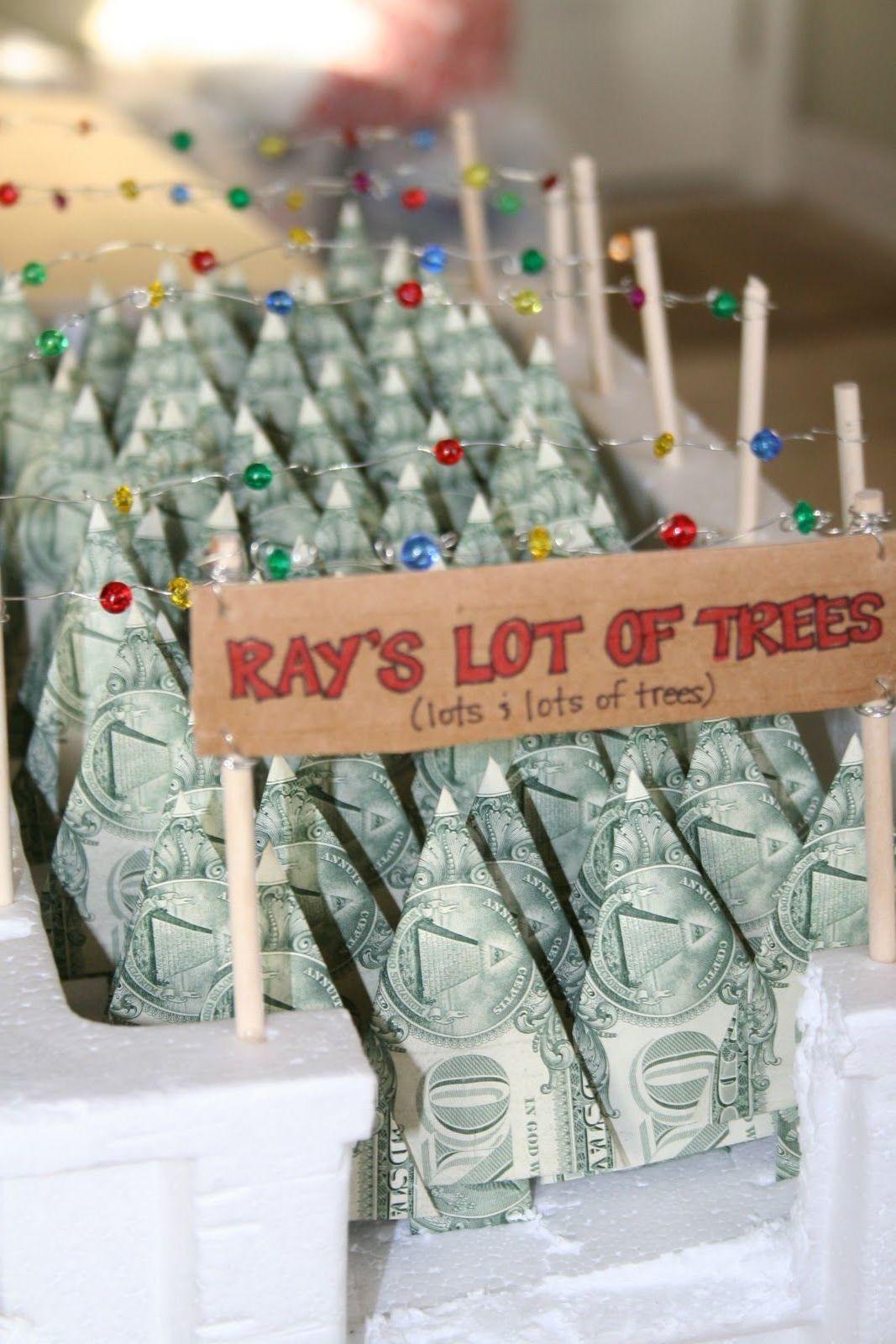 Haben Sie schon alle Geschenke gewählt? Geldgeschenke weihnachtlich verpacken ist immer eine attraktive Lösung