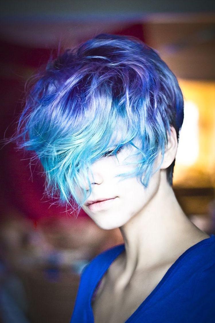 türkise Haare eindrucksvolle kurze Frisur