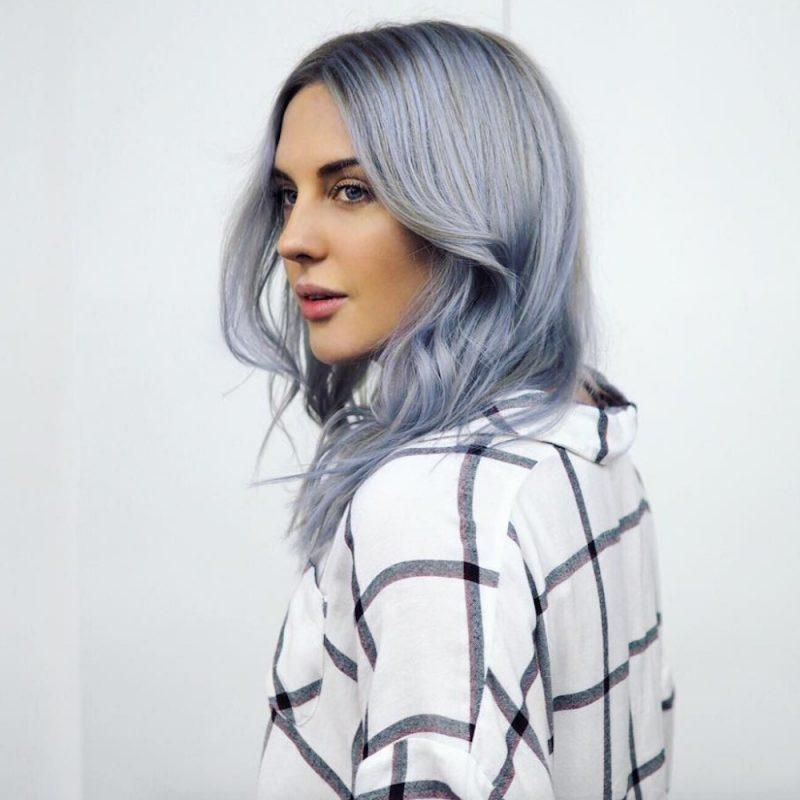 türkise Haare sehr hell pastellig