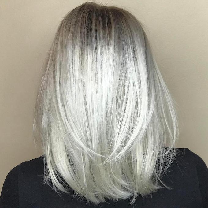 silber Haare färben Frisuren kurzer Bob