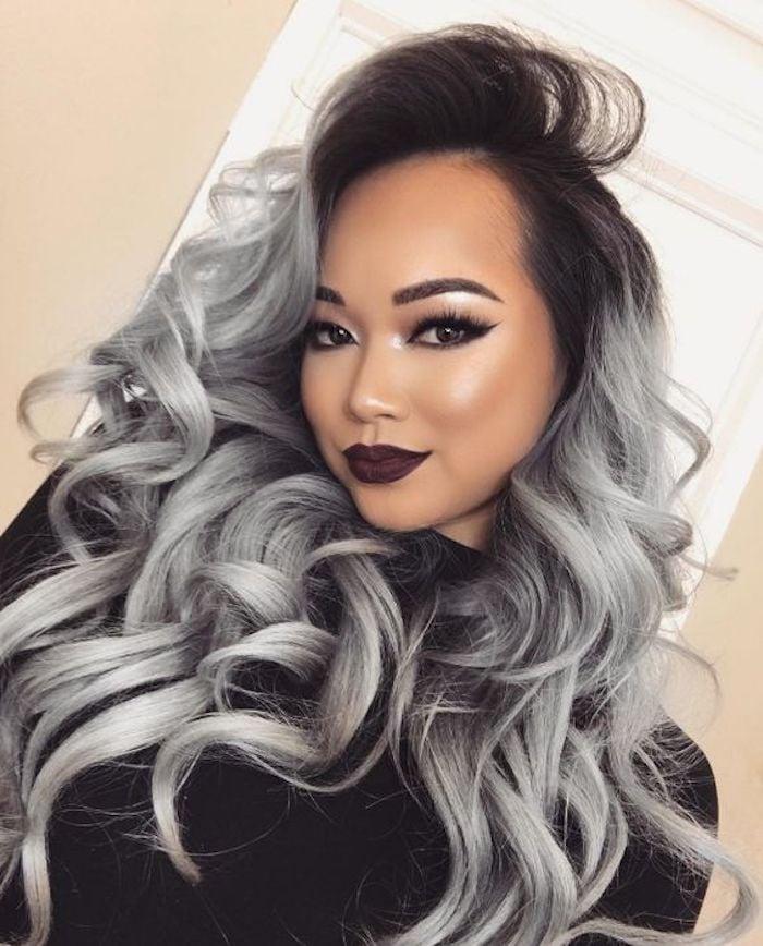 silber Haare färben dunkelroter Lippenstift