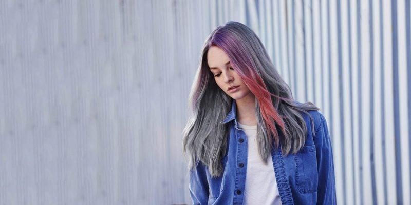 silber Haare färben bunte Strähnen Pastellfarben