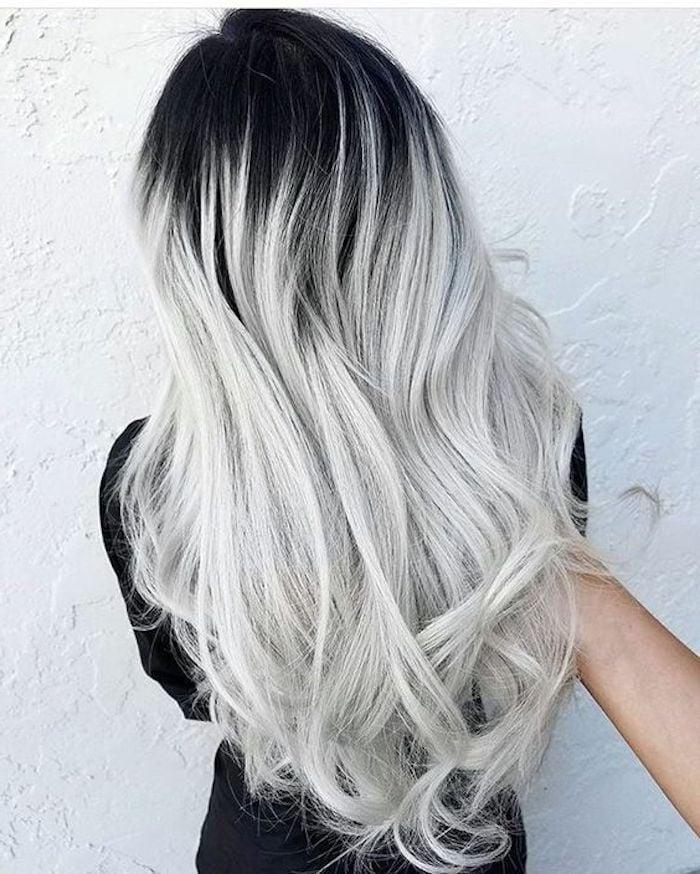 silber Haare färben Haaransatz dunkel