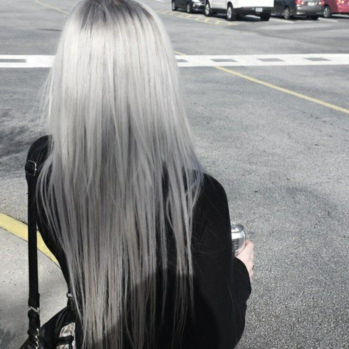 silber Haare färben langes Haar glatt