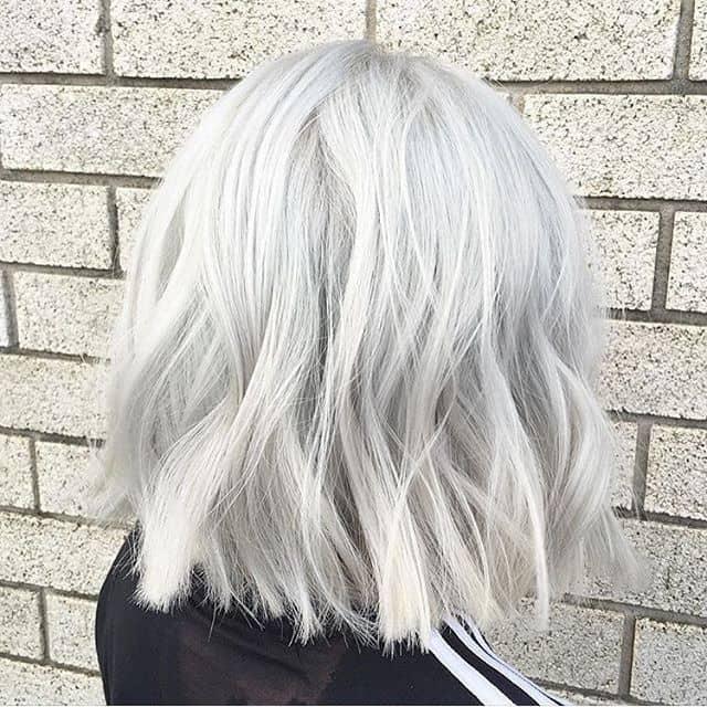 silber Haare färben passende Frisuren kurze Haare