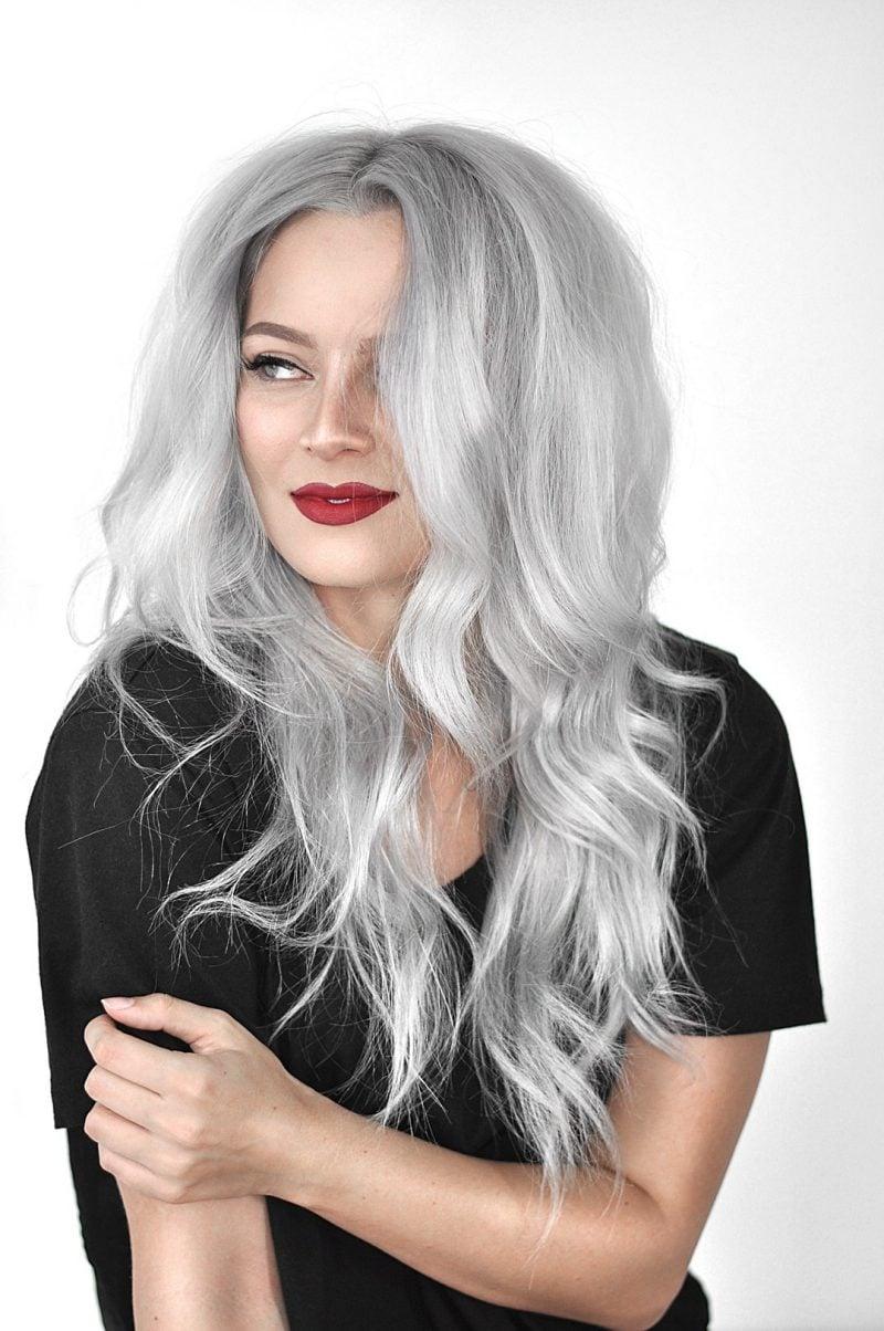 silber Haare färben romantische Wellen