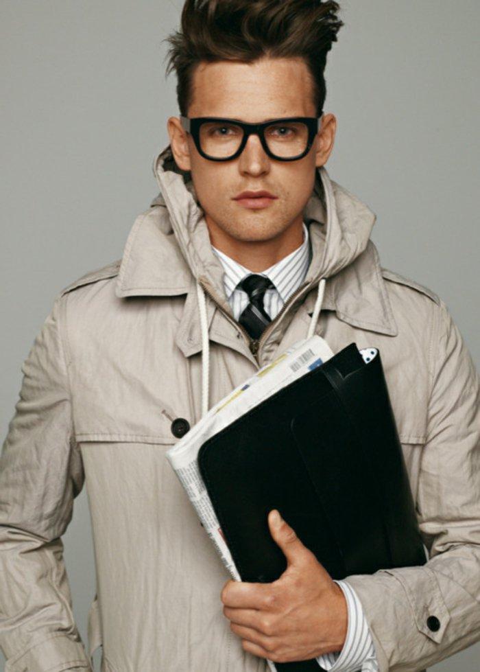 Hipster Frisur zerzaust große Brillen Mann