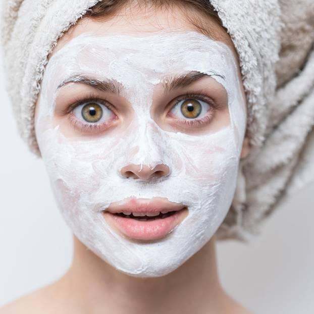 Maske gegen Mitesser mit Joghurt