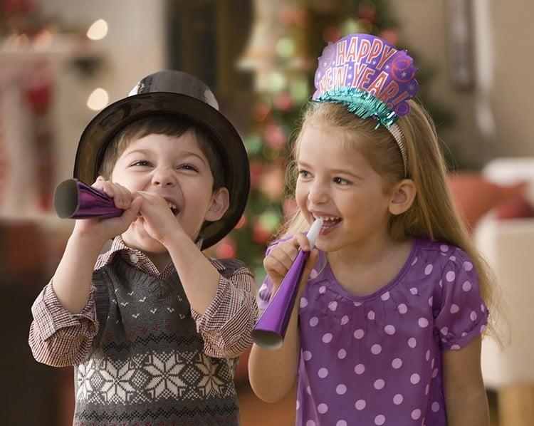 Spiele selber machen zu Silvester Kinder Knallbonbons