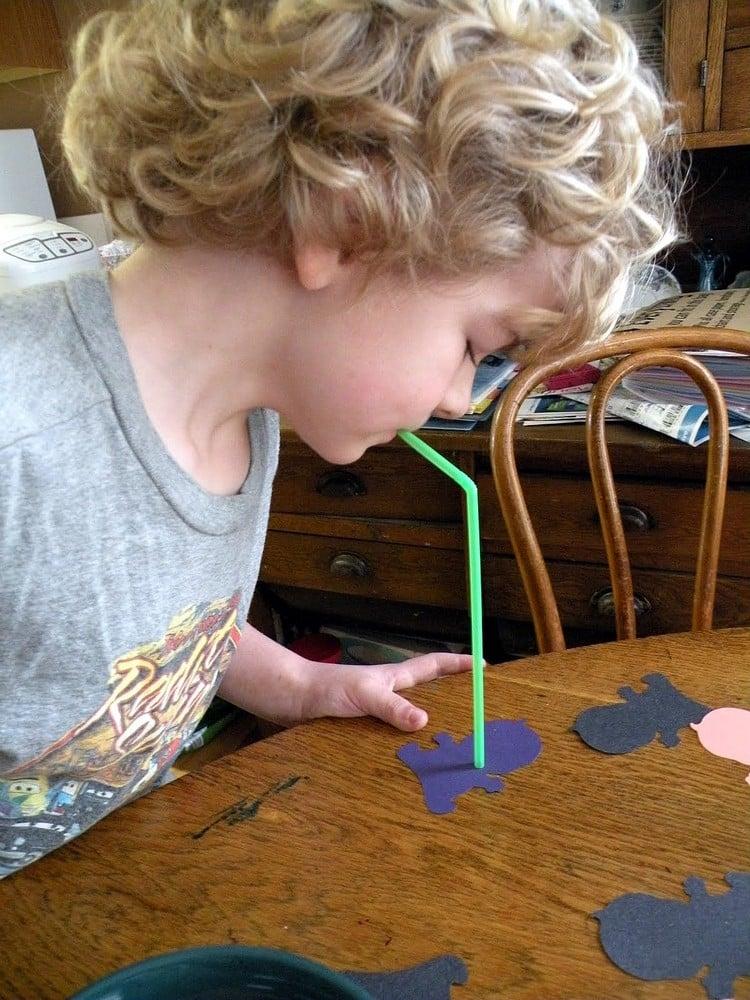 Spiele selber machen zu Silvester Kinder Trinkhalme