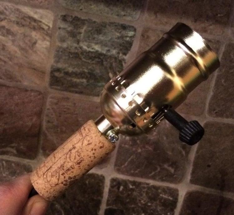 Lampe aus Flaschen Korke Lampenfassung