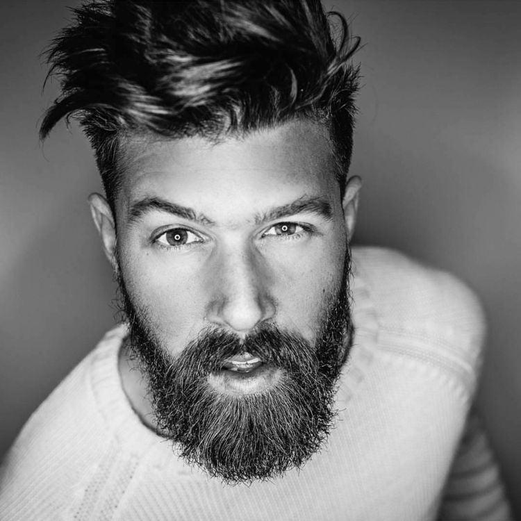 Hipster Frisur mit Bart moderner Messz Look Mann