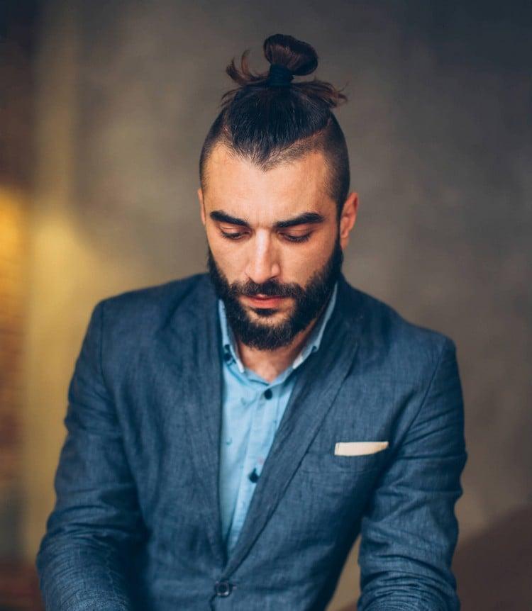 Hipster Frisur Man Bun Kleidung offiziell