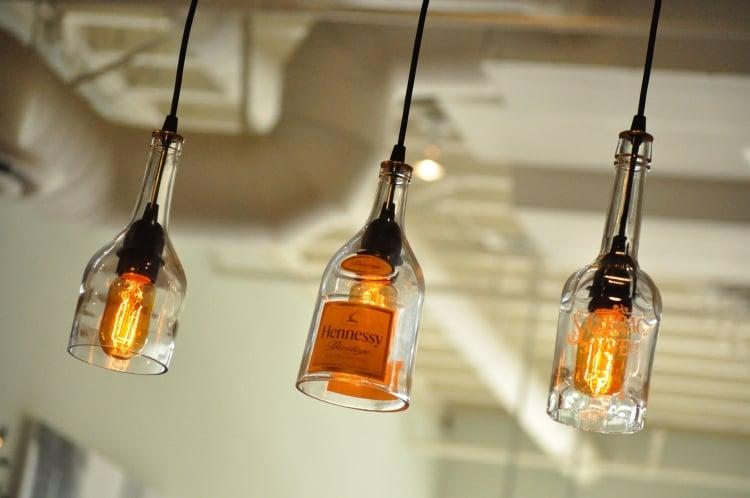 Lampe aus Flaschen im industriellen Stil herrlicher Look