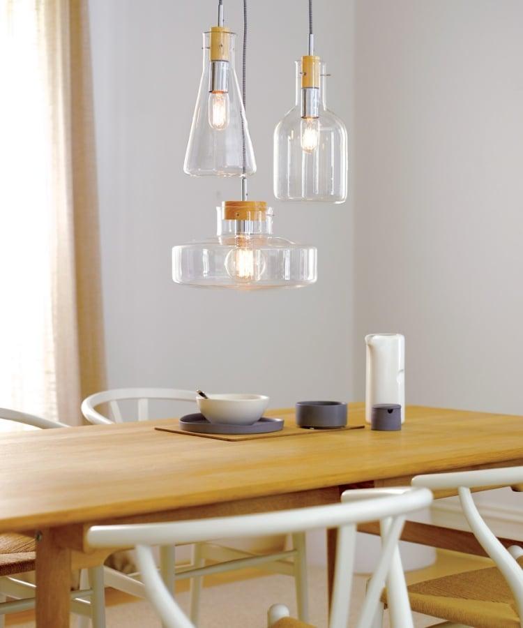 Lampe aus Flaschen originelle Idee Essbereich