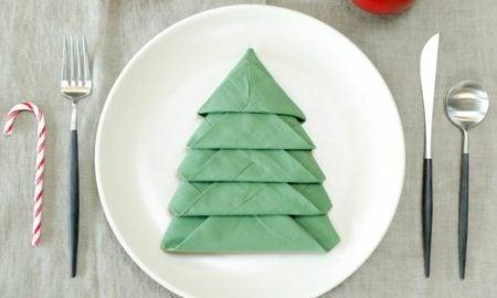 Servietten falten Tannenbaum Bastelideen Weihnachten