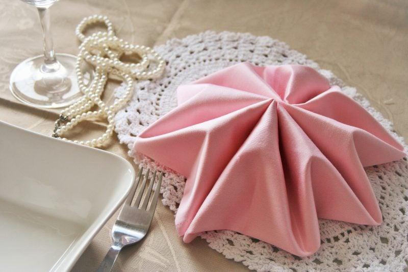 Servietten falten Stern Stoff rosa