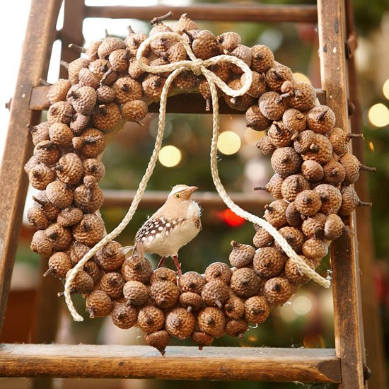 Weihnachtskranz originell Nüsse