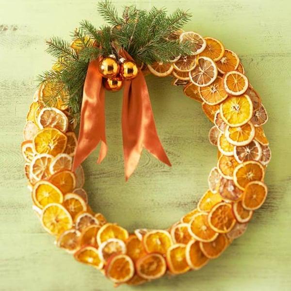 Weihnachtskranz getrocknete Orangenscheiben
