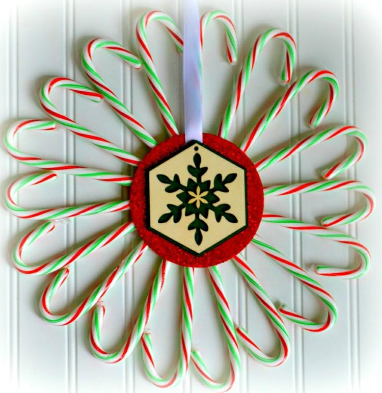 Weihnachtskranz originell Zuckerstangen