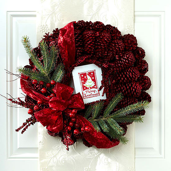 Weihnachtskranz Tannenzapfen lackiert