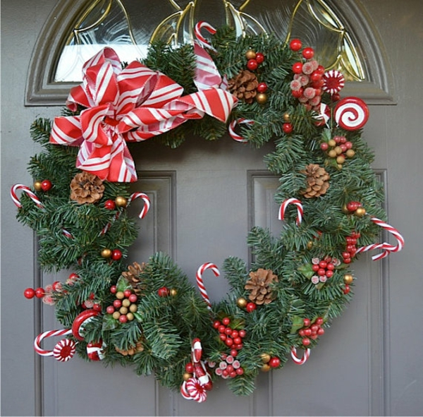 Weihnachtskranz Naturmaterialien Zuckerstangen