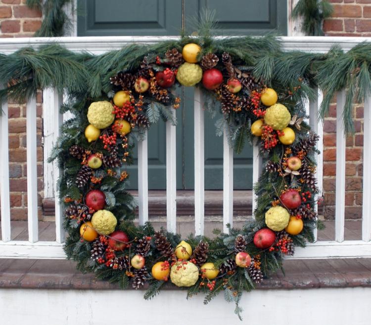 Weihnachtskranz groß FRüchte Tannezweige