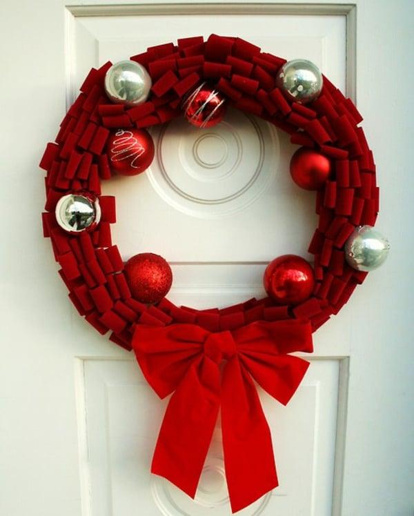 Weihnachtskranz Stoff rot Weihnachtskugeln