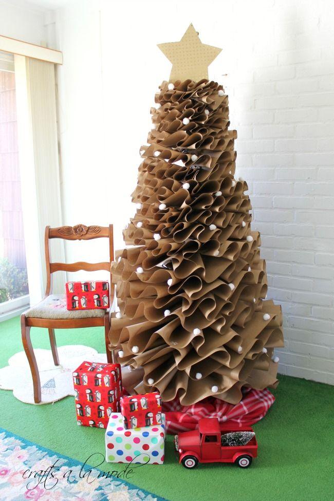 Tannenbaum basteln aus Papier hoch herrlicher Look