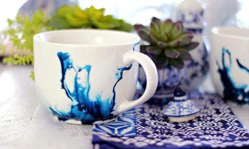 Weihnachtsgeschenke basteln für Erwachsene Last Minute Tasse verzieren