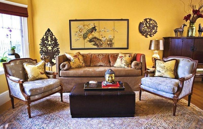 goldene Wandfarbe Wohnzimmer gemütlich