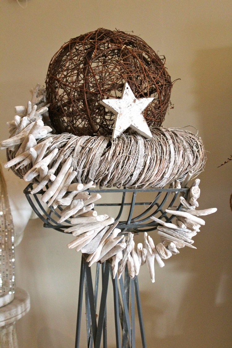 Weihnachtsdeko selber basteln Holz Girlande aus Treibholz