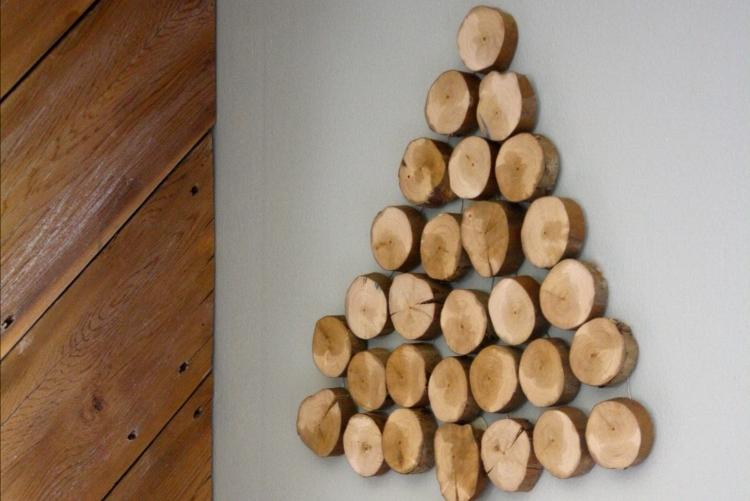 Weihnachtsdeko selber basteln Holz Tanne Holzscheiben