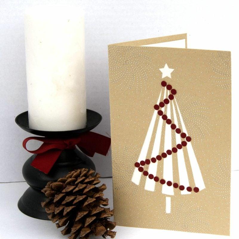 Weihnachtskarten selber basteln mit Spray herrlicher Look