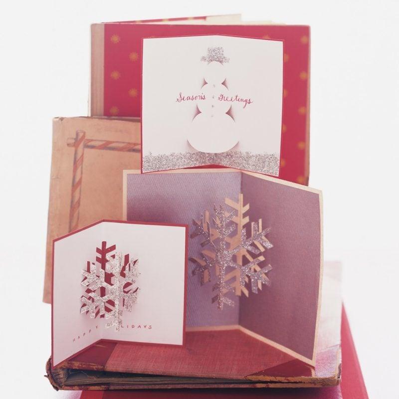Weihnachtskarten selber basteln Pop up Karte Schneeflocken
