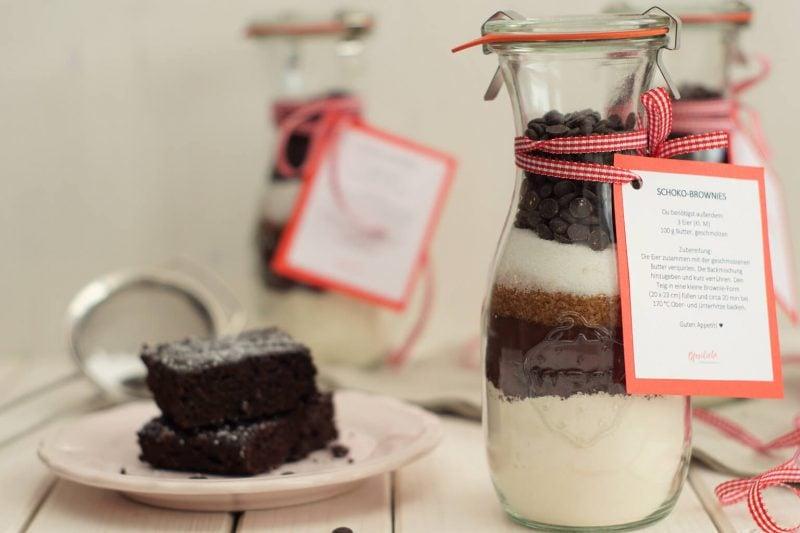 Weihnachtsgeschenke basteln für Erwachsene leckere Backmischung für Brownies