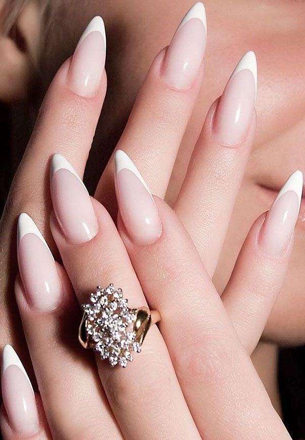 Tolle Ideen für Fingernägel Formen und Nägel Spitz Maniküre