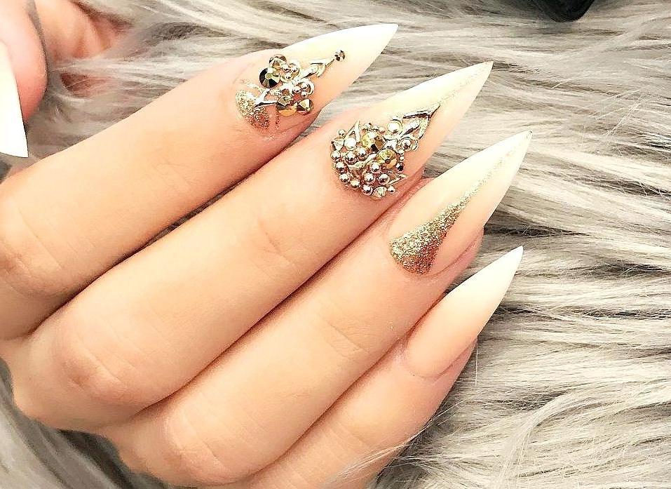 Zahlreiche Nägel Formen und modische Beispiele, die eignet sich am besten für Ihre Hände