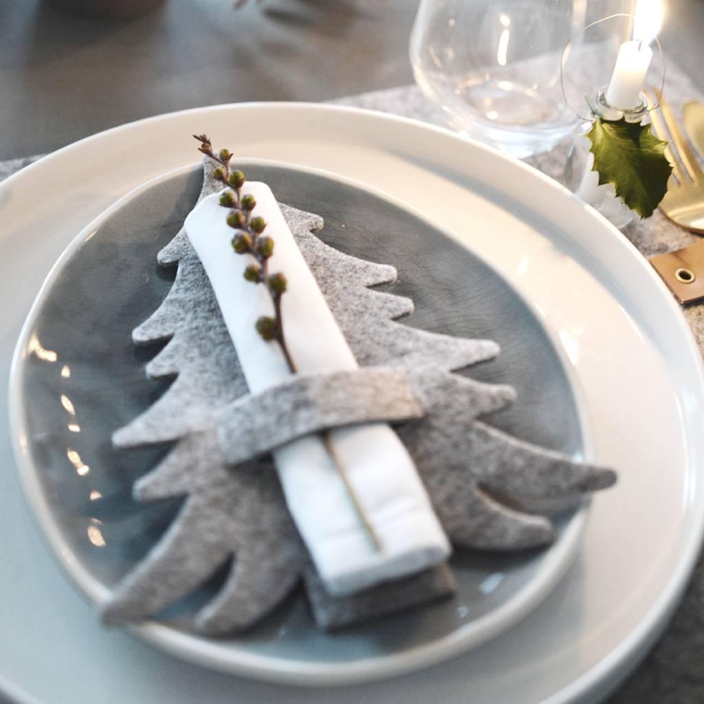 Servietten falten Tannenbaum zu Weihnachten